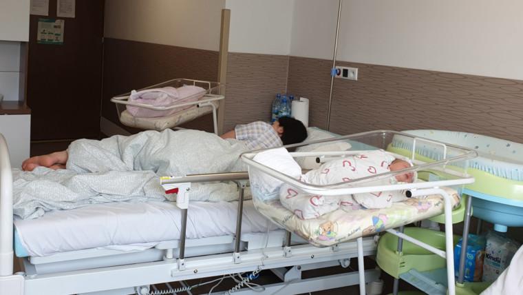 Nie zostawiamy Cię samej – jak pomagamy Mamom po porodzie